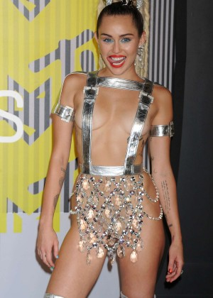 Miley Cyrus: 2015 MTV Video Music Awards in Los Angeles [adds]-32